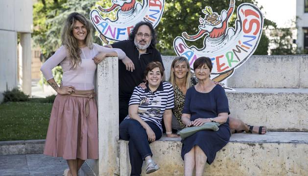 Los ponentes, desde la izquierda, Adriana Eransus, Rafa Aguilera, Marta Sola, Alicia Salas y Maribel Olazarán.
