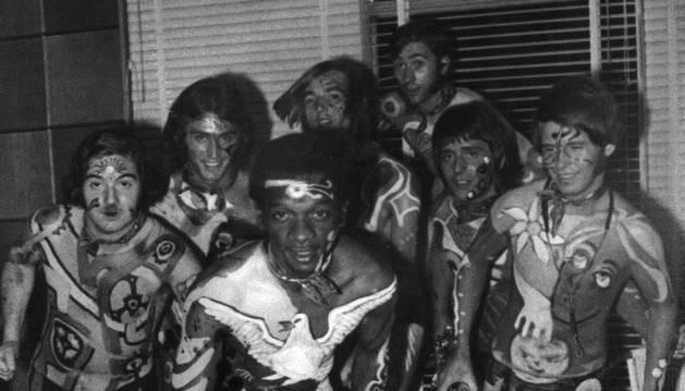 Los Pop Tops aparecieron en Larraina con un vestuario muy peculiar