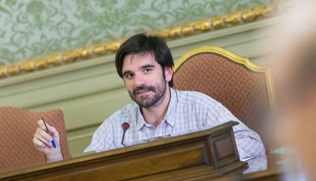 El alcalde, Eneko Larrarte, en el pleno celebrado en mayo.