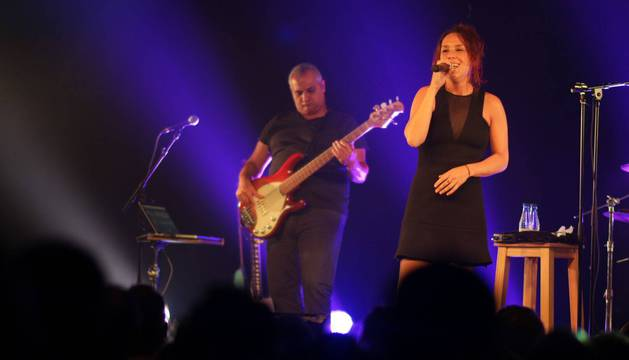 La cantante francesa ZAZ arrebata al  público que abarrotó la sala zentral