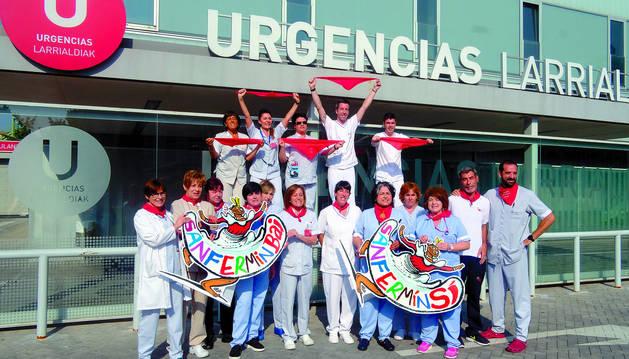 Médicos, enfermeras, auxiliares, celadores, administrativos y vigilantes del Complejo Hospitalario de Navarra se unen a la campaña San Fermín SÍ   San Fermin BAI
