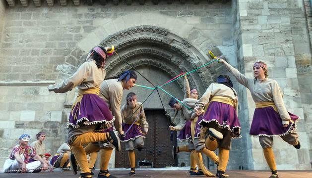 El Paloteado de la zona antigua de Tudela se vuelve a escenificar unos 40 años después