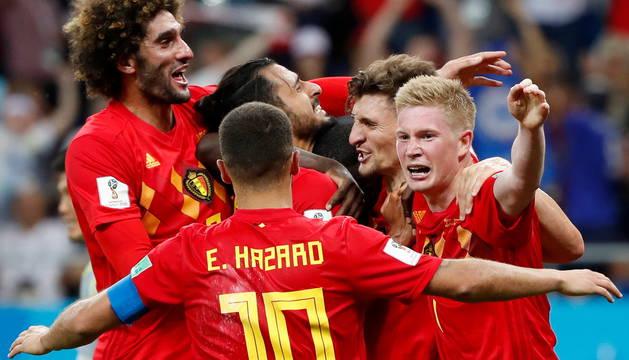 La selección belga celebra su clasificación para cuartos de final del Mundial.