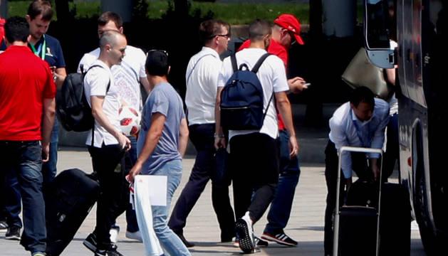 Andrés Iniesta, en el aeropuerto Adolfo Suárez-Madrid-Barajas.