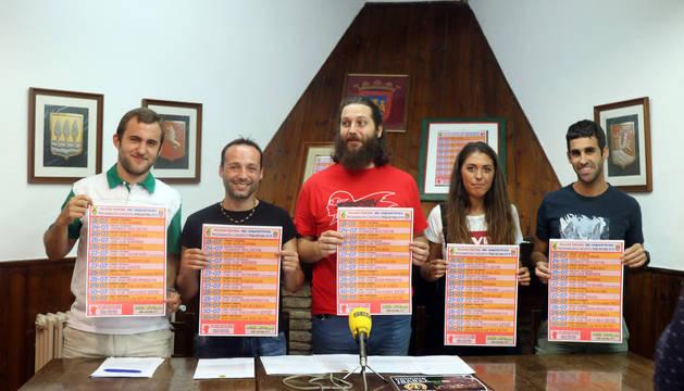 MIEMBROS DE LA JUNTA. De izquierda a derecha: Luis Clavijo, David Da Silva, Miguel Domínguez, Sara Vidorreta y Jon Ander Lerín.