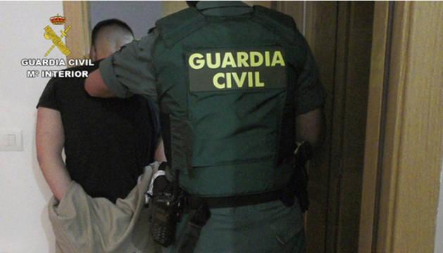foto de Detención de uno de los integrantes de una peligrosa banda de atracadores, que operaba en las provincias de Granada y Málaga.