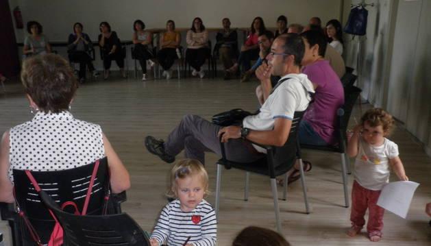 Una imagen de la reunión sobre la nueva escuela el pasado miércoles en Arizala.