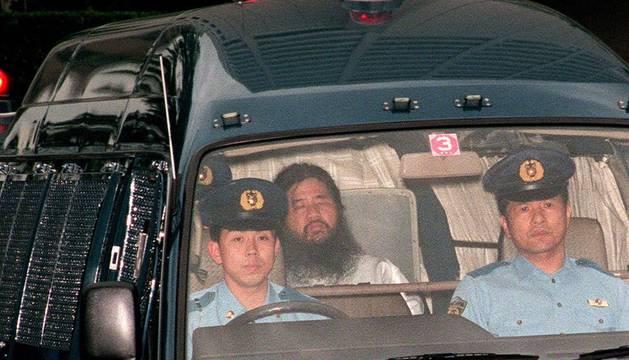 Japón ejecuta al líder de la secta que atentó con gas sarín en el metro de Tokio