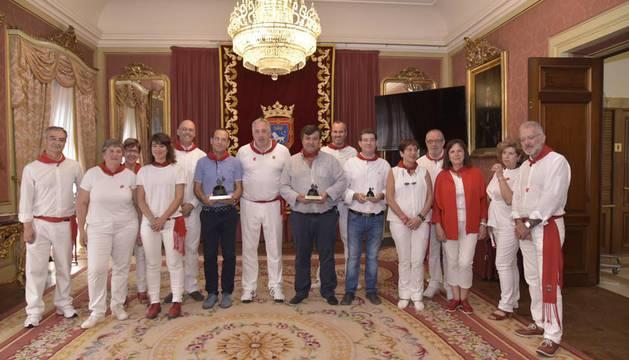 Caballer recibe el premio a la mejor colección de fuegos artificiales de San Fermín 2017
