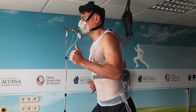 Luis Perea, uno de los jugadores que se ha sometido a pruebas médicas este martes.
