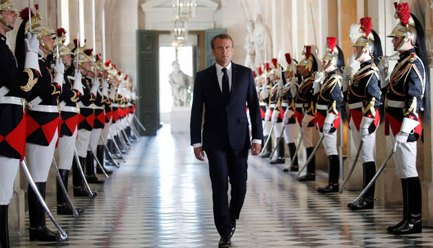 Macron rechaza que sea el presidente de los ricos en Francia