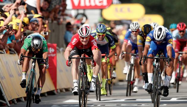 Gaviria gana la etapa del Tour