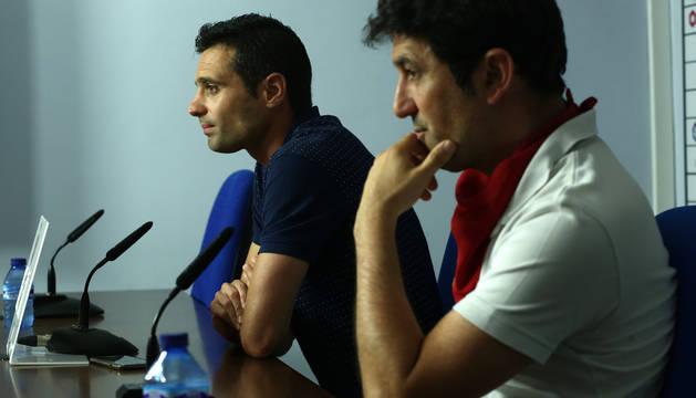 Miguel Flaño y Braulio, en la rueda de prensa de este miércoles en El Sadar.