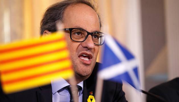 El presidente de Cataluña, Quim Torra, ofrece una rueda de prensa en el Hotel Principal en Edimburgo (Reino Unido).