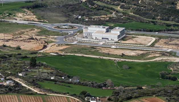 En la imagen, el parque empresarial con el centro tecnológico Miguel Eguía y a la izquierda, hacia la autovía, la ampliación prevista.
