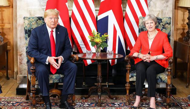 Trump mantiene una reunión con la primera ministra británica, Theresa May, en Chequers, Aylesbury (Reino Unido).