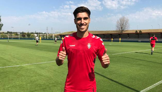 La primera foto del nuevo Osasuna, Nacho Vidal