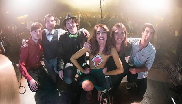 Chica Sobresalto y su banda.