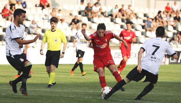 Olavide, uno de los jugadores más incisivos en el inicio del partido.