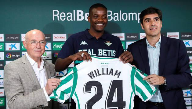 El Betis presenta al portugués William Carvalho.