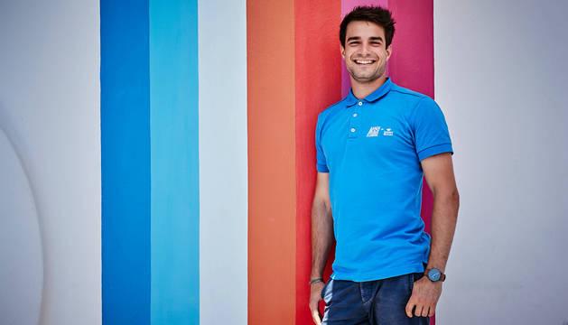 El pamplonés Javier Fermín Asiáin trabaja desde 2017 en Lanzarote, donde se encarga de organizar eventos deportivos.