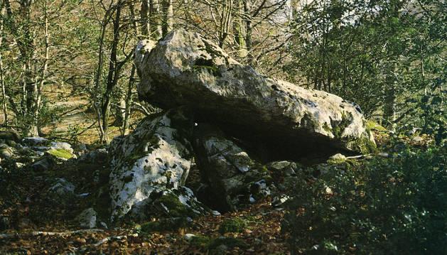 Detalle de uno de los dólmenes que se localizan en la sierra de Aralar.