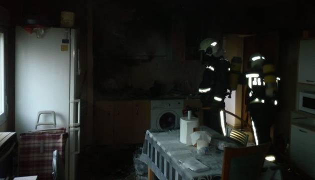 Efectivos del cuerpo de bomberos, en el lugar del suceso