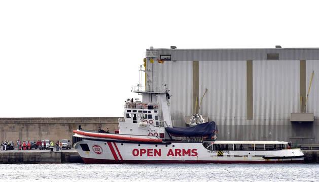 Vista de uno de los dos barcos de la Organización de Salvamento Open Arms