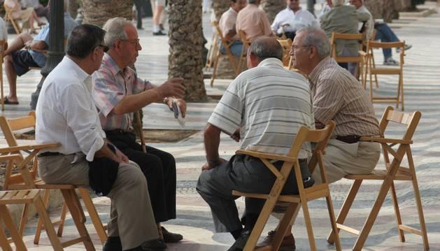 La población navarra alcanzó el año pasado las 643.234 personas, de las cuales el 56% se concentra en la zona de Pamplona y comarca.