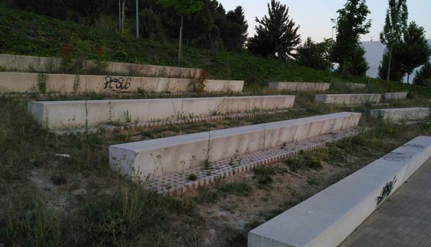 UPN exige medidas para solucionar el estado de las zonas verdes del barrio