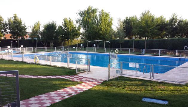 Grave un ni o tras caer de madrugada en una piscina municipal de toledo noticias de sucesos en - Piscina municipal toledo ...