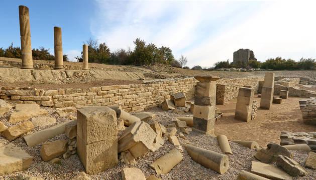 Panorámica del foro romano de Santa Criz de Eslava, la más monumental de las ciudades romanas de Navarra.