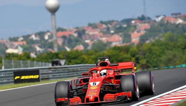 Sebastian Vettel, a los mandos de su Ferrari.