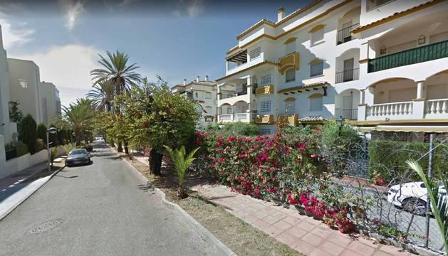 Fallece una niña de cuatro años en una piscina en Marbella