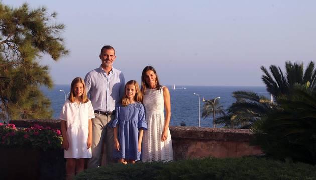 Posado veraniego de los Reyes y sus hijas en el Palacio de la Almudaina