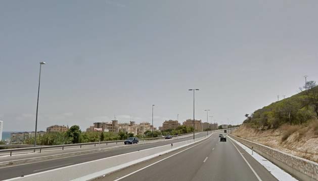 Carretera en la que ha tenido lugar el accidente, a la altura de Guardamar del Segura.