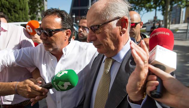 El exvicepresidente del Gobierno Rodrigo Rato, a su llegada a los juzgados madrileños de Plaza de Castilla.
