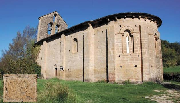 La ermita de Santa María de Etxano con la situación del reloj señalada.