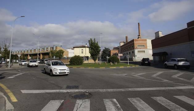 Aspecto que presenta la rotonda entre las calles San Andrés y Atarrabia.