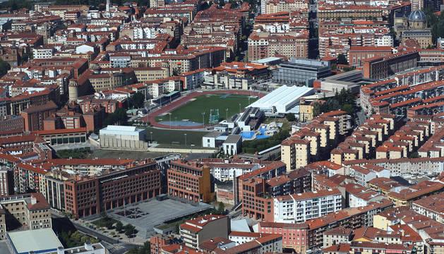 Vista aérea del barrio de la Milagrosa con las instalaciones de Larrabide en el centro
