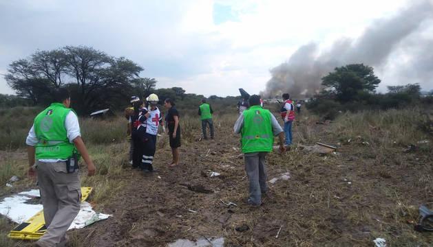 Un avión de pasajeros se estrella al norte de México