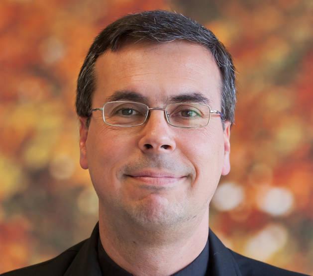Javier Sánchez Cañizares, profesor de la UN, gana el premio 'Razón Abierta' en Investigación