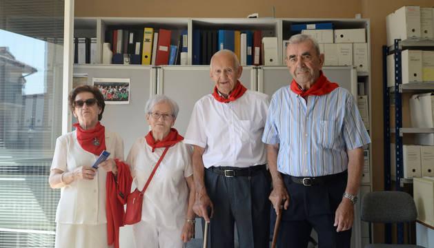 María Isabel Amatriain, María Sagrario Vidaurreta, José Aristegui y Miguel Ramírez, después del lanzamiento del chupinazo.