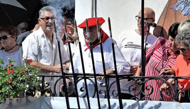 Francisco Pérez Lusarreta, de 96 años, encargado de prender la mecha.