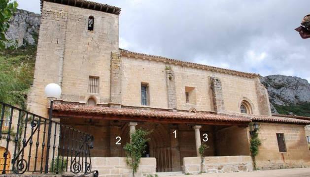 La iglesia de San Pedro Apostol de Lapoblación.