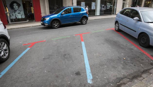 Calle Paulino Caballero, con zona roja y donde de momento no se aplica la sanción.