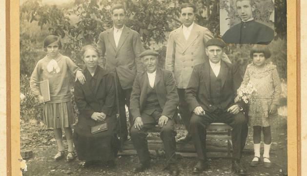 La familia Jauregi dona al Archivo la documentación de la harinera de Etxarri Aranatz