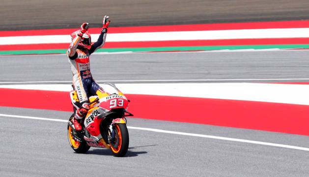 Márquez celebra su pole