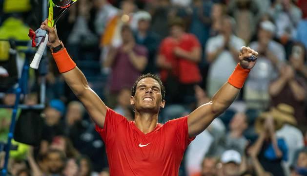 Un sólido Nadal vence a Khachanov y luchará por ser campeón
