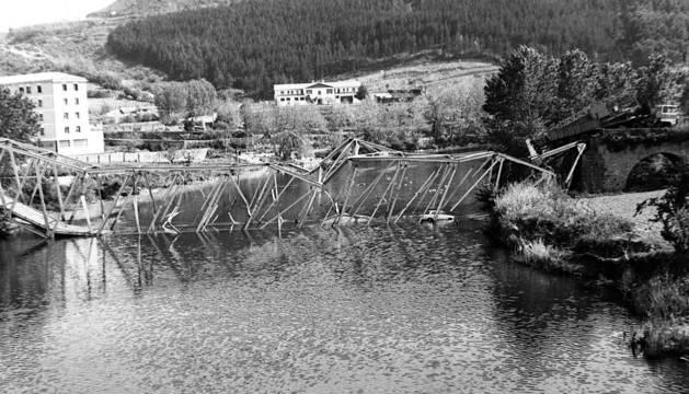 Puente la Reina también vio caer uno de sus puentes en 1982